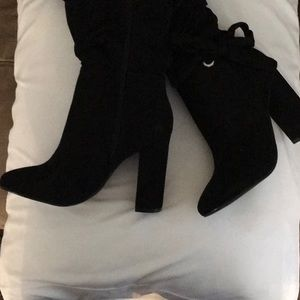 JustFab Size 6 Tall Suede Black Boots